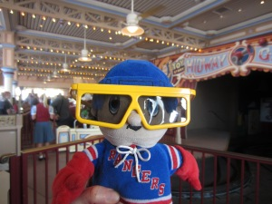 Don't I look smashing in my 3D glasses?